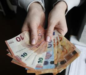 Minimalus atlyginimas kitąmet turi didėti