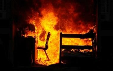 Gaisras Lazdijų rajone – atvira liepsna dega namas
