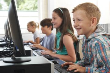 Specialistas griauna mitą: kompiuteris vaikui – jokia blogybė