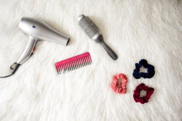 Plaukų reabilitacija: vaistininkė pataria, kaip iki pavasario sugrąžinti plaukams sveiką išvaizdą
