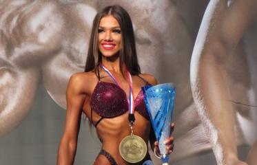 Pasaulio bikini čempionė – apie mitybą ir saldžias nuodėmes