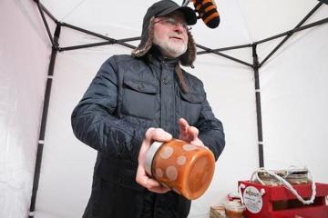 Priekuliškiui malonu bitininkauti ir vaidinti