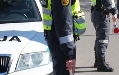 Kelmės rajone autobusui susidūrus su lengvuoju automobiliu, nukentėjo moteris