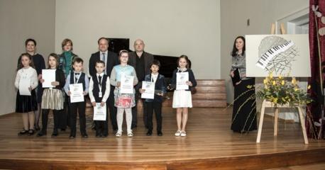 """Tarptautinis jaunųjų pianistų konkursas """"Konsonansas – disonansas"""""""