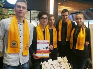 """Geriausia Šiaulių regiono mokinių mokomoji bendrovė """"Wuzzle"""" susitiko su miesto meru"""