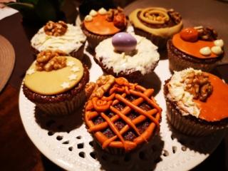 Velykų stalui – keksiukai su morkomis