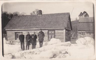 Prisiminimuose apie potvynius – plaukiantys namai ir ledo lytis kambaryje