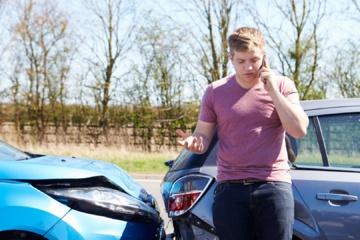 Kodėl net ir po nedidelės avarijos būtina atidžiai apžiūrėti automobilį?