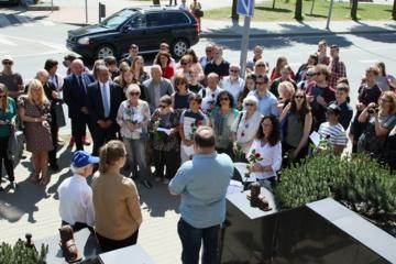 Prie namo su liūtukais įamžintas Bokšickių šeimos atminimas