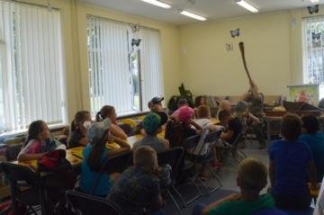Stovyklautojų pažintis su lietuvių liaudies muzikos instrumentais
