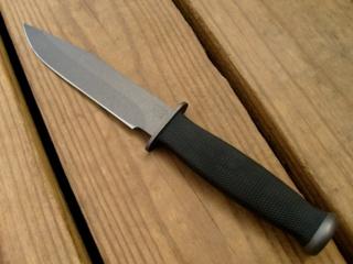 Panevėžyje neblaivus vyras peiliu sužalojo moterį