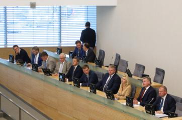 Seimas suteikė XVII Vyriausybei įgaliojimus