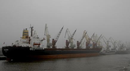 Dėl sustiprėjusio vėjo Klaipėdos uoste ketinama riboti laivybą