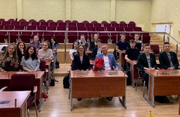 """Radviliškio rajono savivaldybės demokratijos ir socialinių įgūdžių mokyklos """"Ateitis"""" mokiniai pradėjo antruosius mokslo metus"""