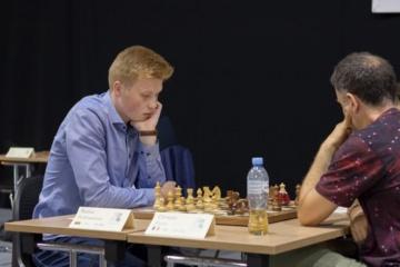 Šachmatų didmeistriu tapsiantis 17-metis: sustoti nesiruošiu