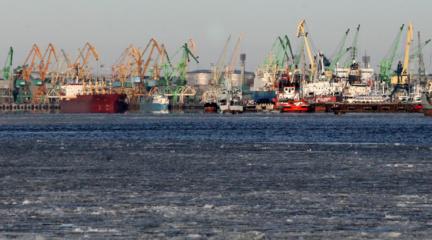 Dėl galimos taršos Klaipėdos uoste prokurorai pradėjo tyrimą