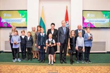 Prezidentas pasveikino Aukštakalnio pradinės mokyklos sportininkus