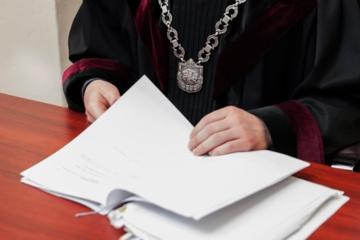 Teismas nepakeitė sprendimo areštuoti greituosius COVID-19 testus pardavusių įmonių lėšas
