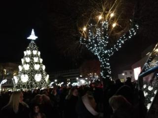 Kalėdų eglutė Rotušės aikštėje sužibs po mėnesio
