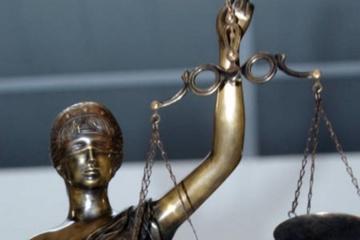 Viešąją tvarką teismo rūmuose pažeidusiam asmeniui paskirta bausmė