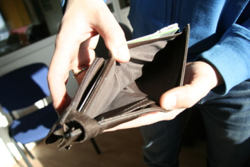 Pakruojyje iš neužrakinto buto dingo 450 eurų