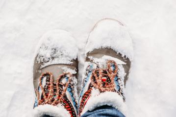 Kai gatvės tampa čiuožykla: TOP 3 patarimai, kaip išsilaikyti ant kojų