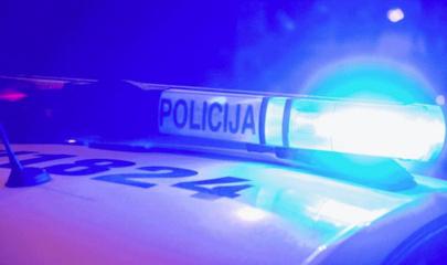 Praėjusi para Pasvalio rajone: neblaivus vairuotojas ir kirviu sužalotas vyras
