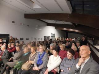 """Viešojoje bibliotekoje – spektaklio """"Miško seserys"""" premjera"""