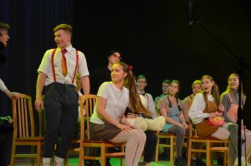 Birštono gimnazijos abiturientai atvertė 12 metų rašytos knygos puslapius