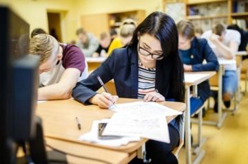 Iš matematikos egzamino dėl pažeidimo pašalintas vienas kandidatas