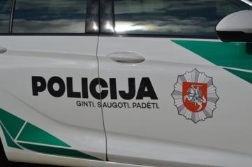Policija drausmino saviizoliacijos nesilaikantį Kuršėnų gyventoją