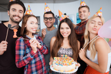 Kokią dieną daugiausia lietuvių švenčia  gimtadienius?