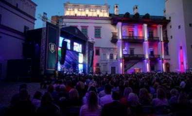 Švelninant ribojimus, teatrai ir koncertų salės pradės atsiverti birželio viduryje