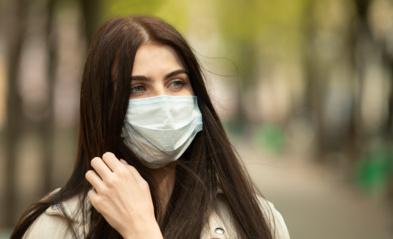 Kelionių organizatoriai raginami įspėti keliautojus dėl viruso rizikos