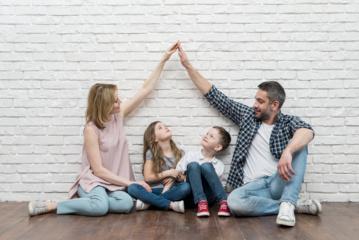 Palankiausia aplinka vaikui visapusiškai vystytis ir augti yra darni šeima