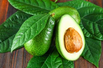 5 priežastys  valgyti daugiau avokadų