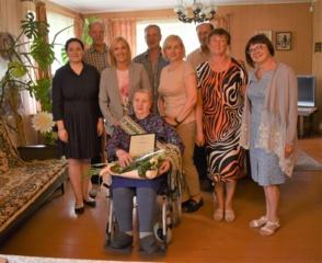 Akmenių kaimo gyventojai Marijai Lukšienei – 90