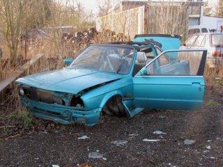 Nelegaliai ardo automobilius ir nesuka dėl to galvos