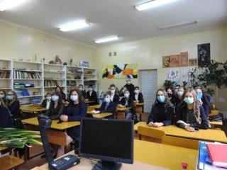 Molėtų gimnazijos susitikimas su rugsėju – rudenėjančioje Ąžuolų alėjoje