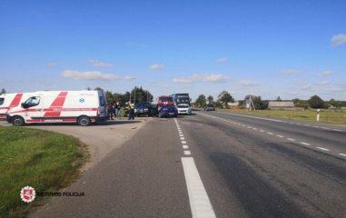 Panevėžio rajone susidūrė du automobiliai
