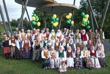 """Folkloro ansamblio """"Gegutala"""" 20-mečio jubiliejuje – gausu dainų ir šokių"""