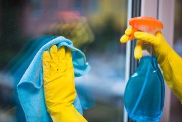 Paprastas ir genialus būdas, kaip išvalyti langus. Sutaupysite laiko ir pinigų (vaizdo įrašas)