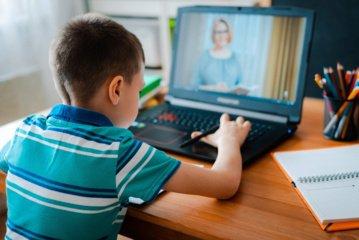 Dėl koronaviruso kai kuriose švietimo įstaigose Pasvalyje įvedamas nuotolinis mokymas