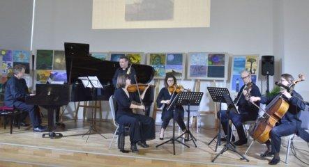"""Varėnoje – įspūdingas koncertas """"Čiurlionio Zodiakas"""""""
