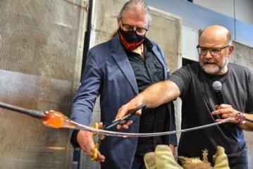 """Panevėžyje prasidėjo tarptautinis meninio stiklo simpoziumas """"GlassJazz"""""""