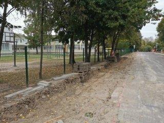 Marijampolėje pradėtas tvarkyti R. Juknevičiaus gatvės šaligatvis
