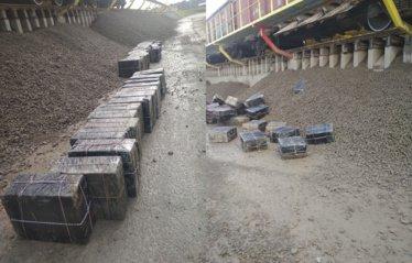 Vagone po akmens skalda pasieniečiai aptiko 20 tūkstančių pakelių cigarečių