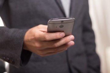 Išmanieji prietaisai užvaldė internetinių sporto lažybų rinką: kyla grėsmė dėl duomenų saugumo