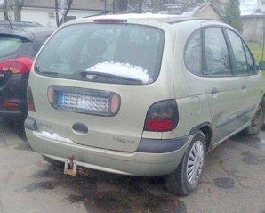 Skaitytojas tikina, kad automobilis iš vietos nepajuda jau dvejus metus