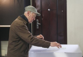 Sausio 18 d. baigiasi politinės kampanijos dalyvių registracija Radviliškio mero rinkimuose